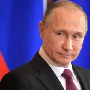 """Putin: """"Rapporti Usa-Russia peggiorati con Trump"""". Poi il presidente russo vede Tillerson"""