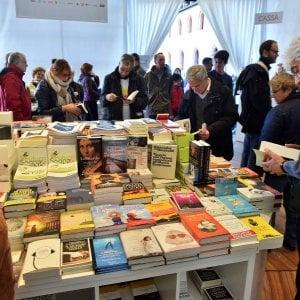 """""""L'isola di Robinson"""" alla festa del libro Cinque giorni con 'Repubblica' a Milano"""