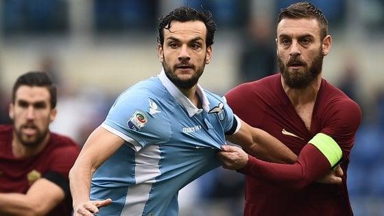 Serie A, anticipi e posticipi: Roma-Lazio alle 12.30