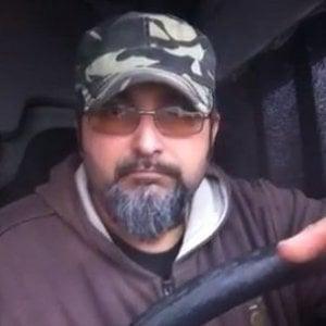 """Da Floris a Orfeo, storia di Nik il Nero: l'ex camionista """"iena"""" a 5Stelle"""