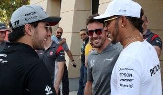 """Gp Bahrain, Hamilton: """"Alonso a Indianapolis? Io vorrei correre in Motogp"""""""