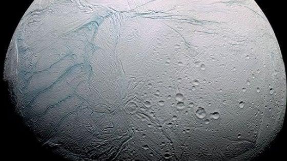 Condizioni favorevoli alla vita su una luna di Saturno