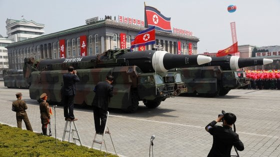 Risultati immagini per missile nucleare, corea del nord