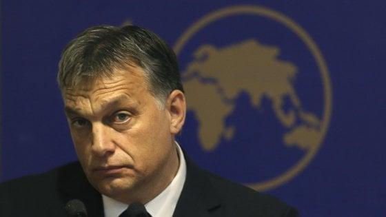 """Ungheria, Orban contrattacca: """"Votate per me contro l'Ue"""". Continua la protesta degli studenti"""