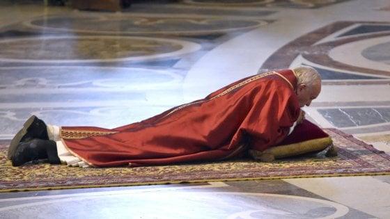 Questa Pasqua anche per gli atei si chiama Francesco