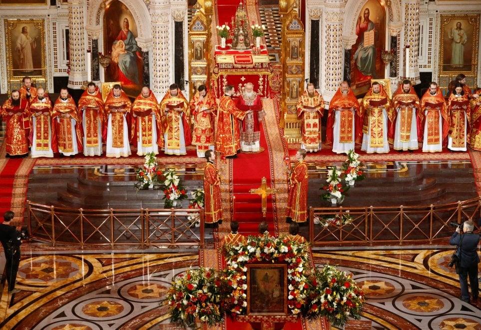 Pasqua, anche Putin alla celebrazione ortodossa con il patriarca Kirill