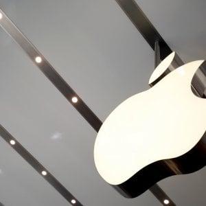 Apple, la California autorizza i test per la guida autonoma