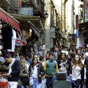 """Turismo, boom per le vacanze di Pasqua. Franceschini: """"Italia invasa da stranieri"""""""
