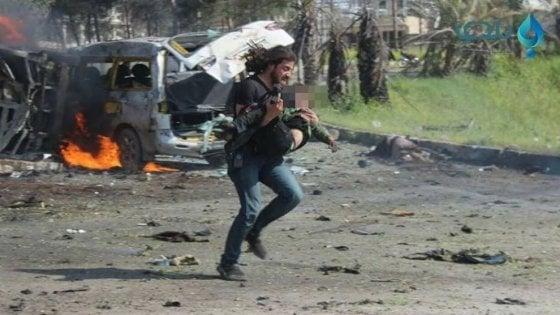 """Il fotoreporter di Rashideen: """"Ho salvato quel bimbo dei nemici, ma non sono un eroe"""""""