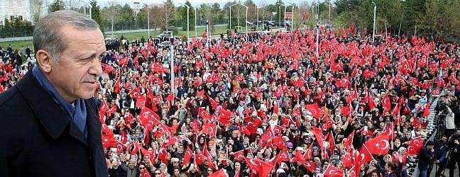 """Erdogan vince, ma Osce boccia il referendum:""""Schede senza timbro non andavano contate"""""""