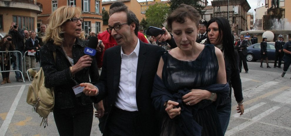 "Benigni querela 'Report': ""Notizie false e diffamatorie"""