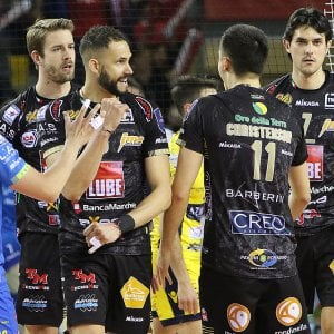 Volley, Superlega: Lube è in finale. Trento-Perugia, serve la bella