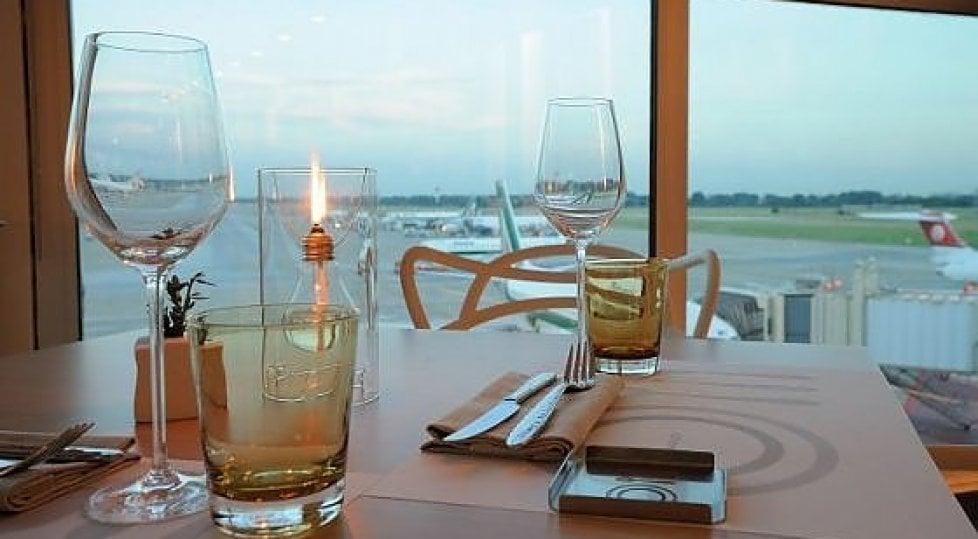 """Primavera, voglia di """"ponti""""  ma prima di partire  sosta gourmet in aeroporto"""
