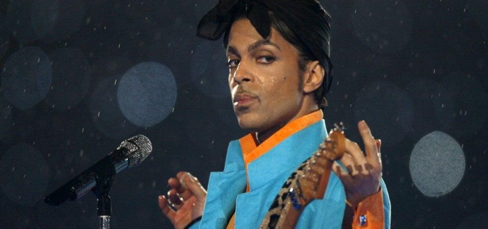 Prince, gli eredi fanno causa, ritirato l'ep di sei brani inediti
