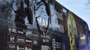 Bomba contro il Dortmund, arrestato un sospetto. Non era terrorismo: voleva guadagnare in borsa