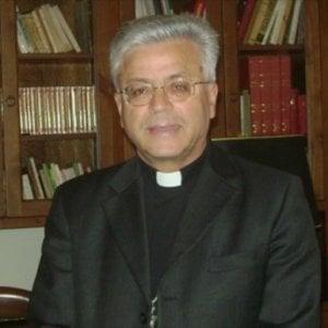 """Il vescovo di Melfi lascia la diocesi: """"Voglio tornare a fare il missionario"""". E il Papa lo ringrazia"""