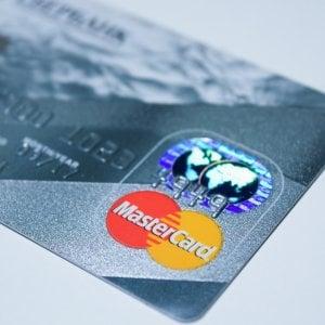 Mastercard, un sensore di impronte digitali nelle carte di credito