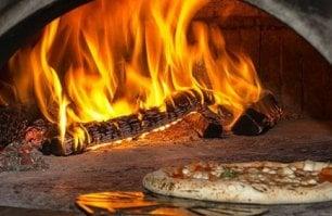 Com'è vitale la pizza  in periferia: Del Pino a Cercola  tra tradizione e futuro