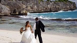 Piccoli matrimoni all'estero