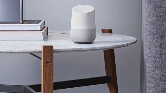 Google Home è di famiglia: ora l'assistente riconosce più voci