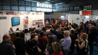 Note in Fiera: lettore è pop - foto'L'isola di Robinson' a Milano sito