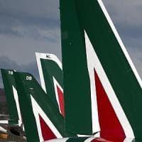 """Alitalia, Gentiloni: """"Senza intesa su piano industriale non sopravviverà"""""""