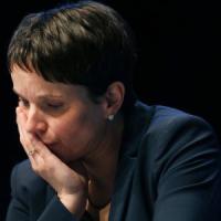 L'ultradestra tedesca boccia la svolta 'moderata' di Frauke Petry