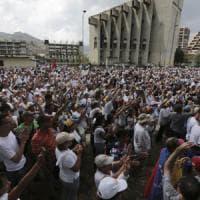 Venezuela, marcia del silenzio senza violenze. Ma l'opposizione a Maduro