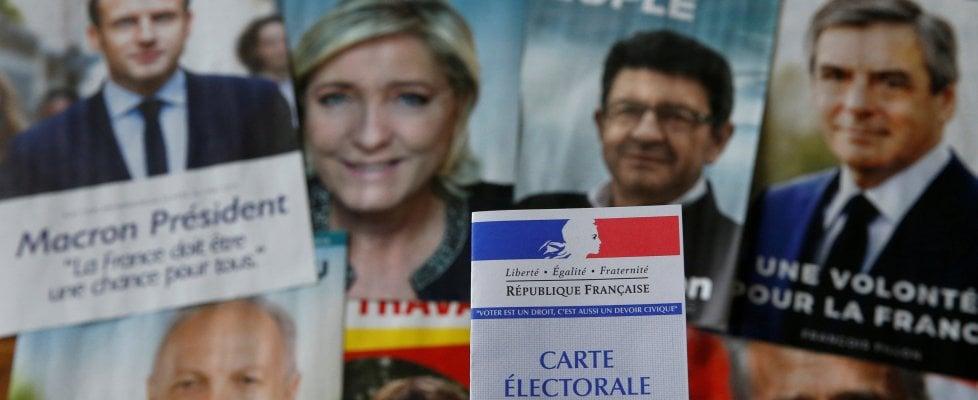 Francia al voto, seggi per le presidenziali ancora aperti nelle grandi città. Bene l'affluenza: alle 17 il 69,42%