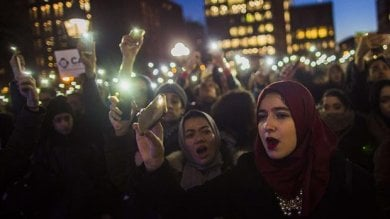 Algeria, donne abbandonate   Video   ad abusi dei mariti che restano impuniti