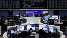 Mercati col fiato sospeso per la Francia. Alitalia aspetta il verdetto sull'accordo