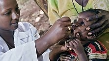 """Vaccinazioni,  la """"battaglia""""  casa per casa  nei villaggi africani"""