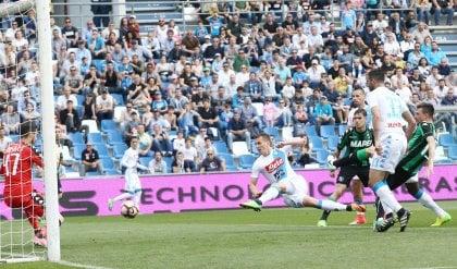 Il Napoli frena, Milik lo salva Con il Sassuolo è 2-2   foto