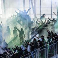 Francia, tifosi del St.Etienne invadono lo stadio a porte chiuse