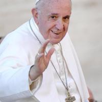 Papa, per la visita in Egitto niente auto blindate