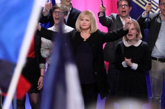 'A casa nostra', l'infermiera che si innamora di Marine Le Pen