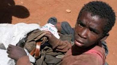 Congo, scoperte 17 fosse comuni  Tra i cadaveri civili e bambini