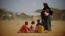 """Eco-profughi,  """"La terra non esilia"""": clima, conflitti  e migrazioni forzate   di LUCA ATTANASIO"""