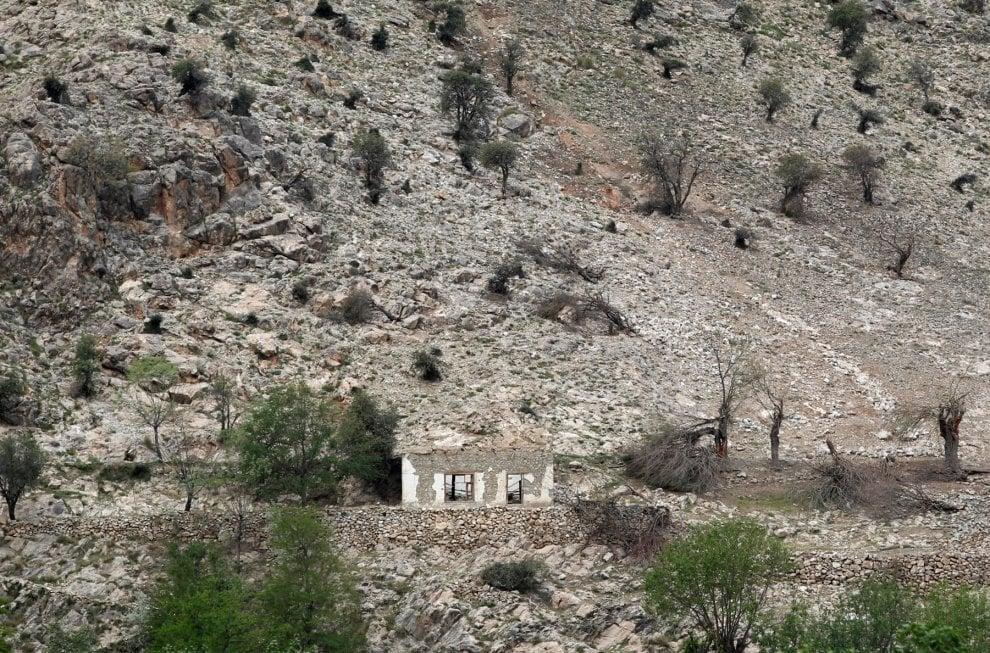 Afghanistan, ecco dove è stata lanciata la super bomba: le prime immagini