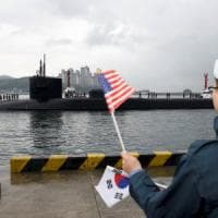 Corea del Nord, Washington invia sommergibile nucleare. E Trump convoca