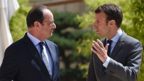 """Presidenziali Francia, Hollande striglia Macron: """"Non è ancora fatta"""""""