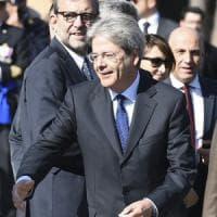 """Alitalia, Gentiloni: """"Forte preoccupazione, ma non si può nazionalizzare"""""""