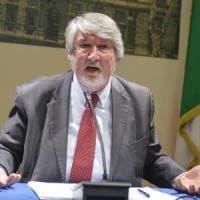 """Giuliano Poletti lancia l'allarme: """"Bocciatura piano Alitalia, ora sono a rischio 20mila..."""