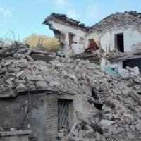 """Terremoto, 13 sindaci al premier: """"Ricostruzione dov'è?"""". Nuove scosse nel Maceratese:..."""