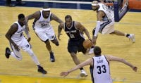 Toronto si regala Cleveland Spurs in semifinale a Ovest