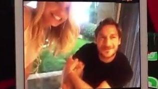 """Ilary, Totti e i poster a 15 anni""""Io i Take That"""", """"E io Cicciolina"""""""