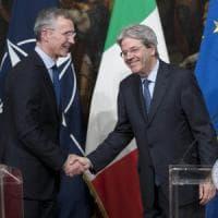 """Jens Stoltenberg: """"Alla Nato più soldi dai governi. E nostri consiglieri in Libia"""""""