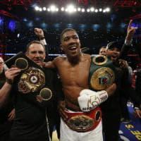Boxe, a Wembley il mondo è di Joshua: Klitschko ko all'undicesimo round