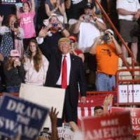 """Trump celebra i suoi primi 100 giorni: """"Il mondo ha capito il messaggio. E ora avremo..."""