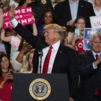 Trump, i 100 giorni di un presidente che gratifica solo i suoi fedeli